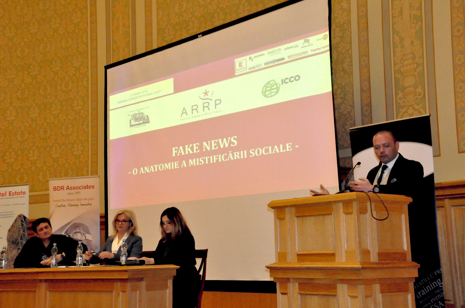 Mihai Voicu, ONV LAW partner, talking about fake news at the ARRP conference in March 2018